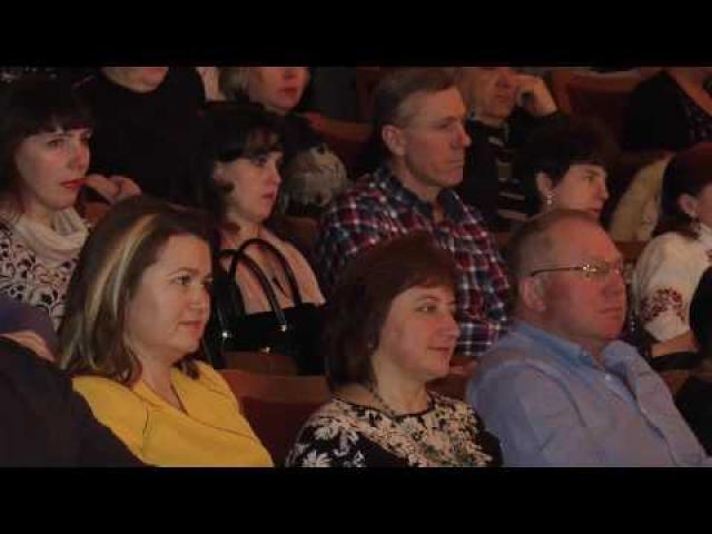 """Embedded thumbnail for Одтрк """"Лтава"""" сюжет від 6 березня 2017 року """"Пісенні крила долі"""" - Олена Білоконь влаштувала концерт у Полтаві"""