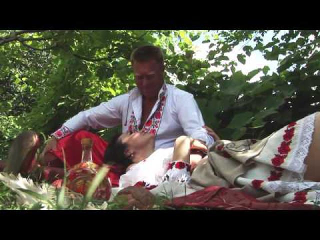 """Embedded thumbnail for Олена Білоконь та Приудайські козаки - """"Бузина"""""""